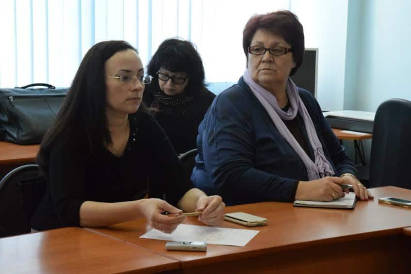 Парламентарий, директор лицея №13 Галина Васильева призывает стабилизировать ситуацию в лицее №1