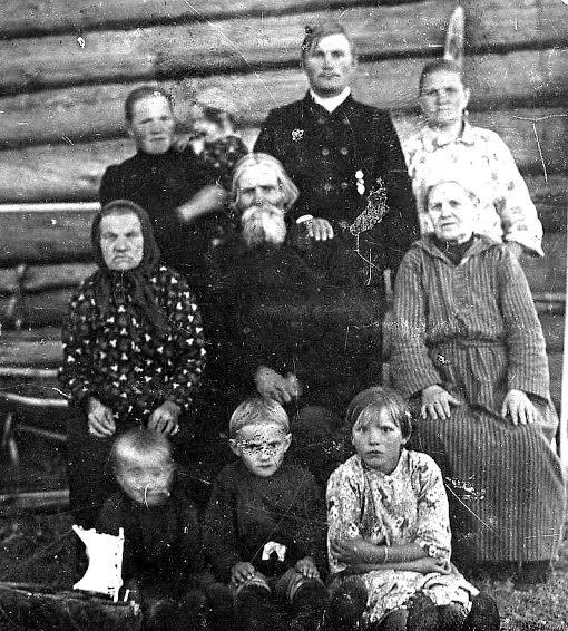 Представители династии Рябининых – Кирик Гаврилович Рябинин с детьми и внуками