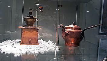 Не только чайник, но и кофемолка были в Заонежье обыденными предметами крестьянского быта