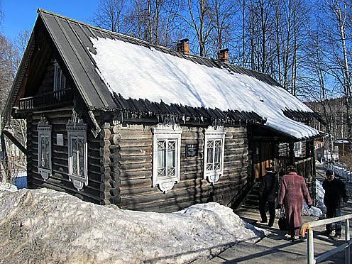 Дом смотрителя, в котором размещена постоянная экспозиция