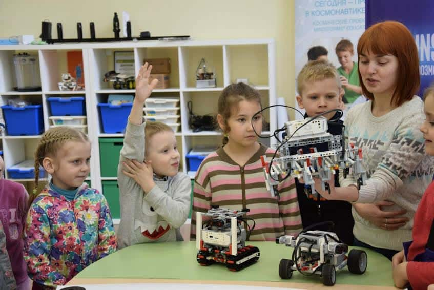 Детсадовцы на экскурсии в ПетрГУ. Фото Марии Голубевой