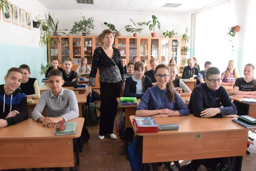 Елена Николаевна Реулец с семиклассниками