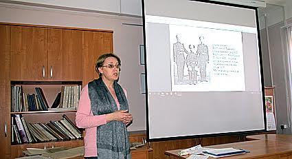 Новую архивную коллекцию представляет главный архивист отдела комплектации Национального архива Мария Ермолина