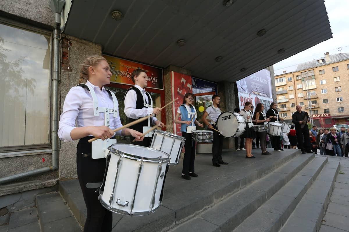 Шоу барабанов. Фото Владимира Ларионова