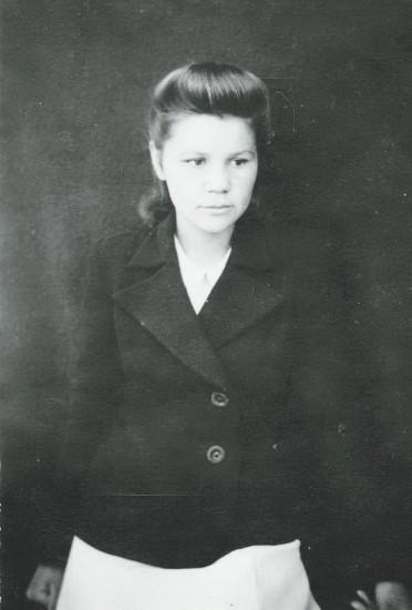 Александра Воронцова (в замужестве Иванова) из рода сказителей Рябининых. Фото конца 40-х годов