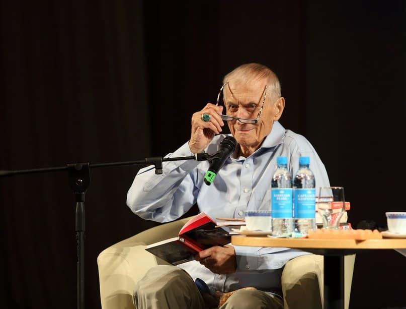 Евгений Евтушенко в Петрозаводске 20 июня 2016 года. Фото Леонида Николаева