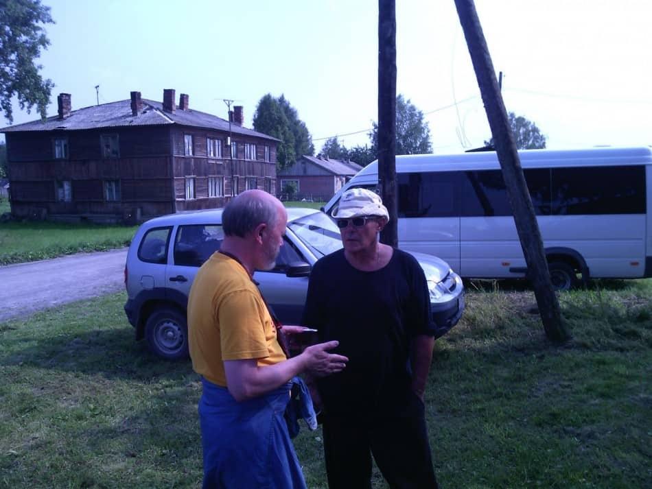 Писатели Вячеслав Агапитов (слева) и Мариуш Вильк