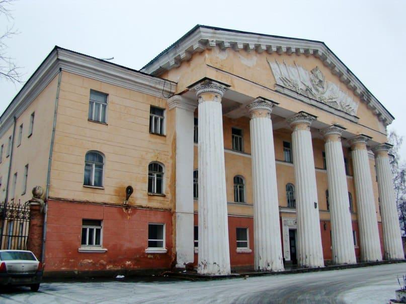 Дом офицеров в Петрозаводске. Фото Юлии Свинцовой