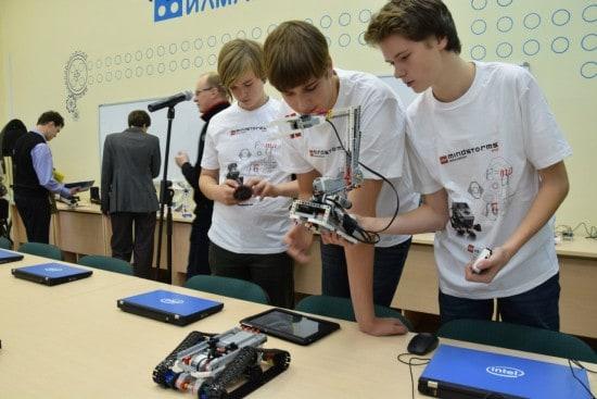 """В научно-проектной  лаборатории для школьников и студентов """"Илмаринен"""""""