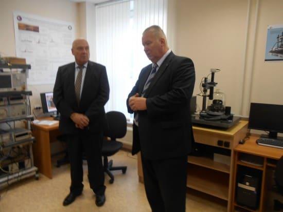 Ректор Анатолий Воронин (справа) и профессор Королевского технологического института (Швеция) Александр Гришин