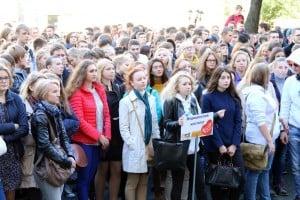 Более двух тысяч первокурсников ПетрГУ сегодня посвятили в студенты