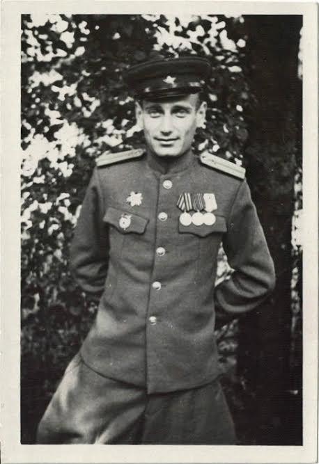 Старший лейтенант Ефрем Рыбак в годы войны