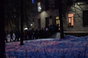 Такой ажиотаж сейчас при записи в первый класс в Петрозаводске. Фото Марии Голубевой
