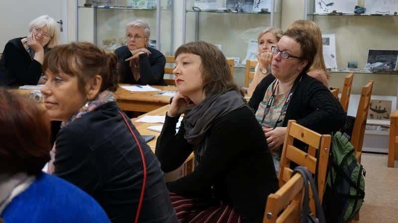 В центре Элина Коскелайнен, дизайнер-конструктор из Лахти