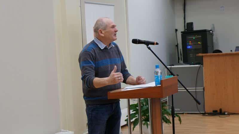 Александр Савельев прочитал стихи Вячеслава Агапитова на заонежском