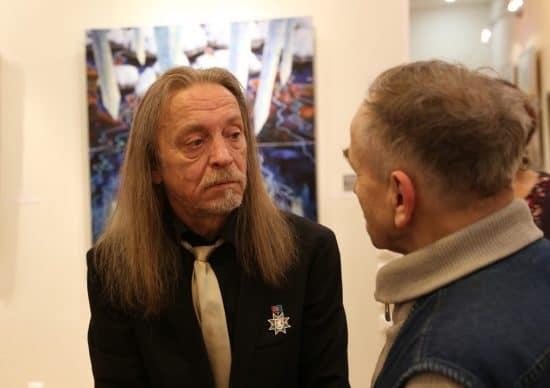 Виталий Добрынин на вернисаже
