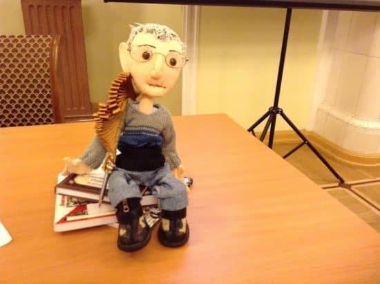 Эту куклу, изображающую Григория Фукса, подарили ему к 80-летию друзья