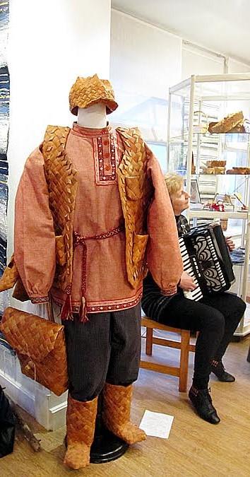 Народные костюмы карелов сшили современные мастера