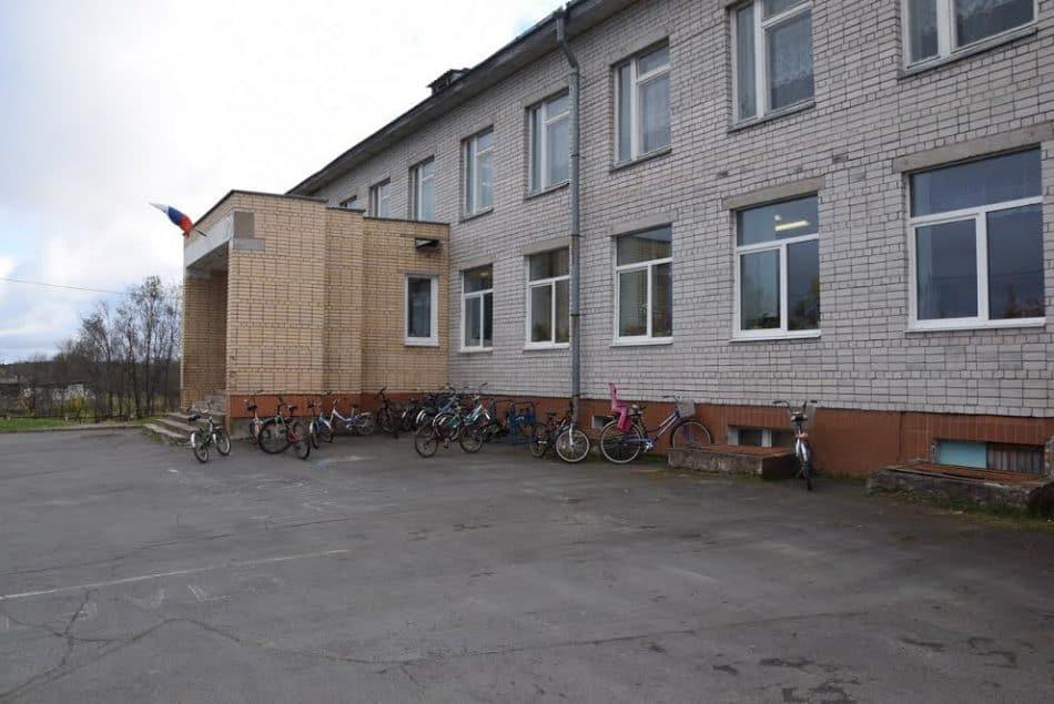 Школа села Деревянное