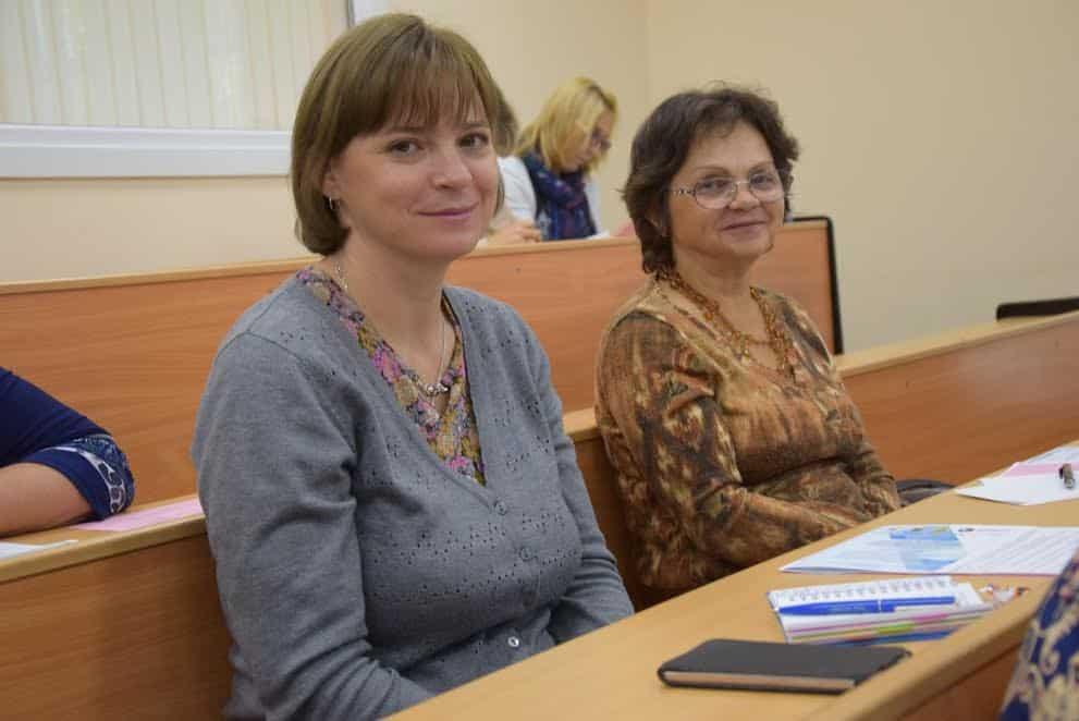 сотрудник без опыта работы в москве