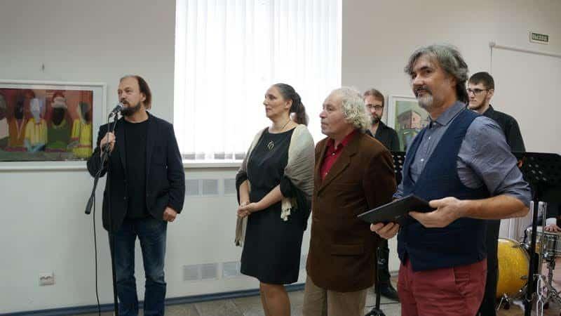 На вернисаже (слева направо) Владимир Назанский, Мария Юфа, Арон Зинштейн, Александр Косенков