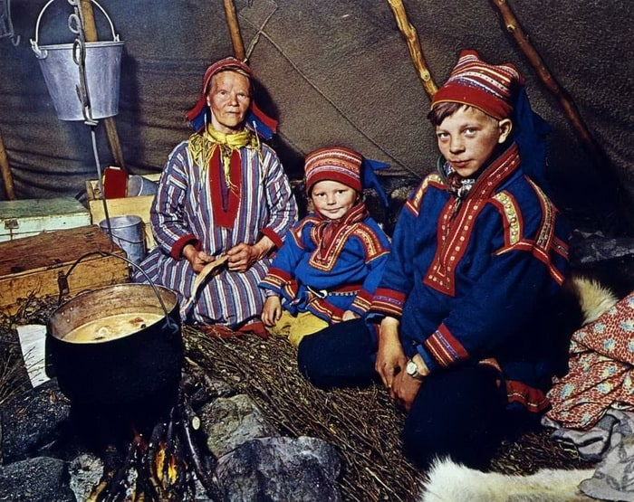 7_saamskih_istorij