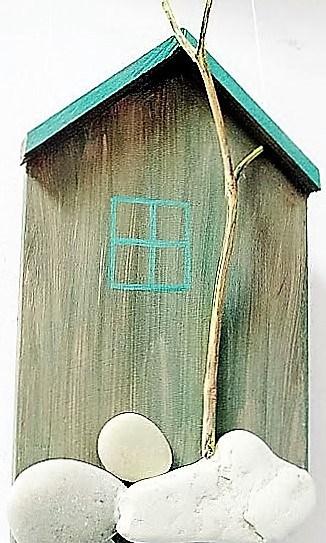 Оксана Чистякова. Часть триптиха «Дом». Дерево, камни, акрил