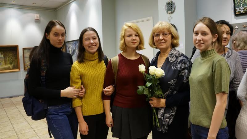 Фото на память со своим педагогом Ниной Кукшиевой
