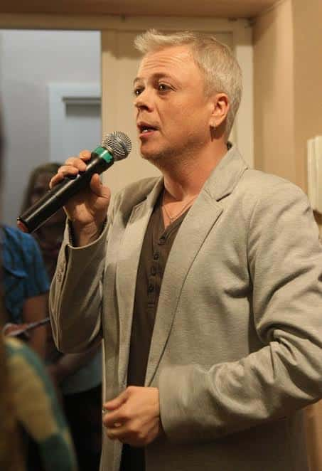 Член правления СТД Карелии Георгий Николаев, открывая встречу, вспомнили легендарного директора Дома актера Геннадия Залогина