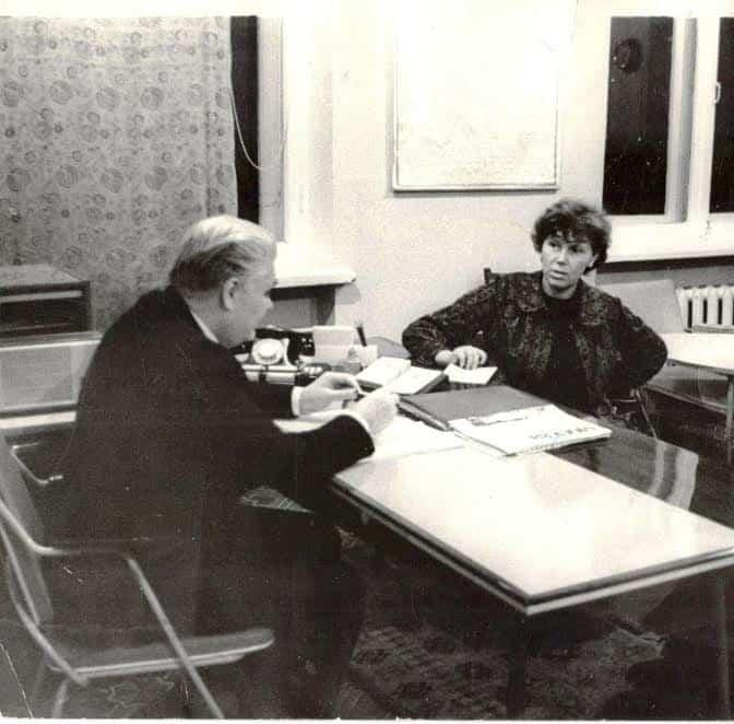 Наталья Ларцева в кабинете у Николая Прокофьева