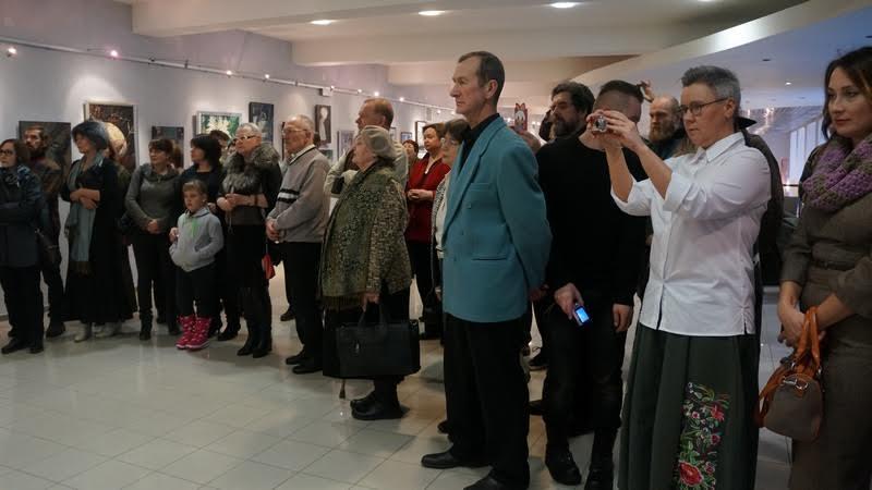 На вернисаже выставки Дмитрия Учуваткина