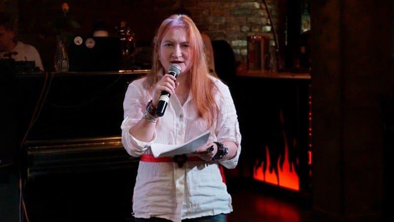 Анна Матасова прочла свои стихи темпераментно, чеканя ритм