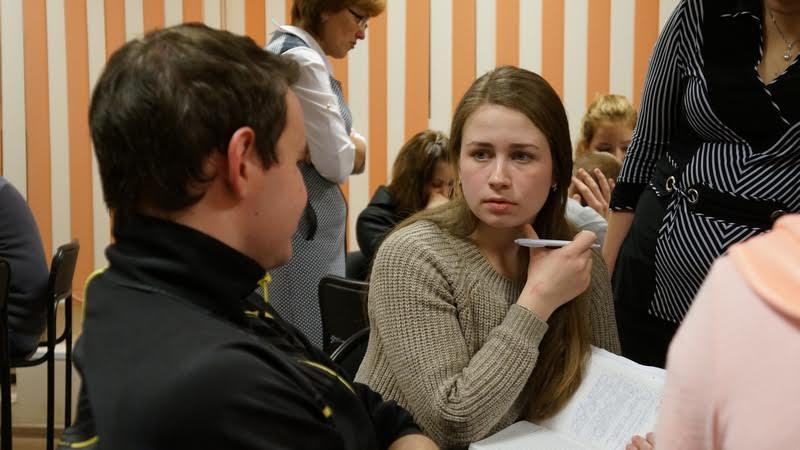 Евгения Лебедева, активная участница обсуждения из кооперативного техникума. Фото Ирины Ларионовой