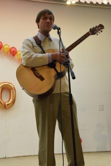 Чиновник, бард Евгений Шорохов исполнил свою песню на стихи Владимира Морозова