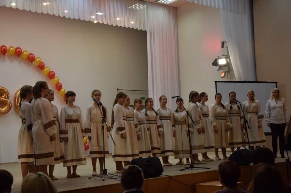 """В ансамбле """"Теллерво"""" поют ученики 9-й школы"""