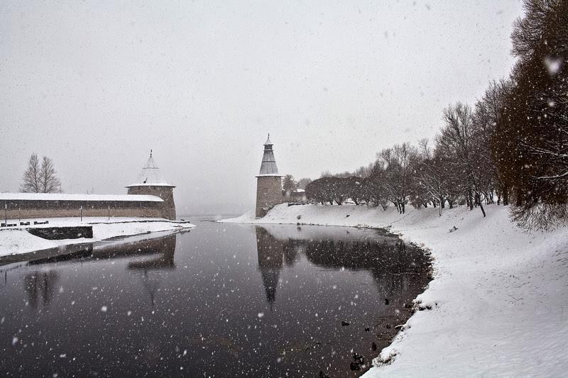 Светлана Гаврилова. Падает снег