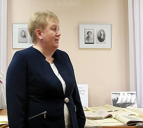 Директор Национального архива Ольга Жаринова  открывает выставку