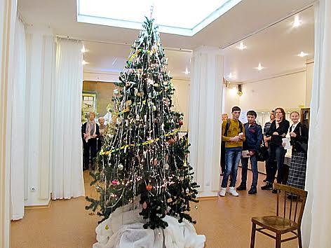 Главная героиня выставки – рождественская елка