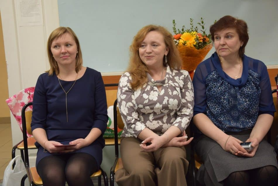 В кругу друзей отметила свой день рождения известный карельский педагог Светлана Артемьева