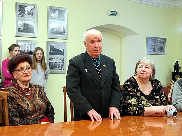 Своими воспоминаниями на вернисаже поделился Г.А. Пашков, бывший директор Карелгражданпроекта