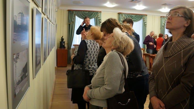 На лекции Елены Ициксон. Фото Ирины Ларионовой