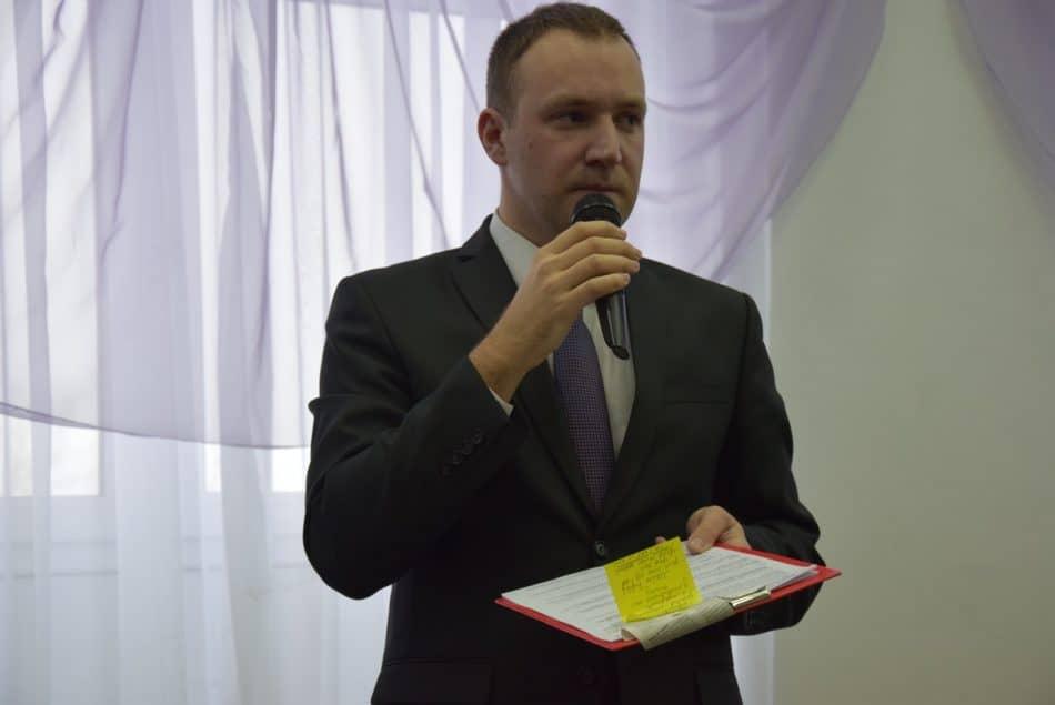 Владимир Яговзик ведет дискуссию