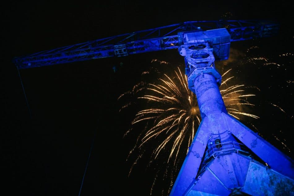 Фейерверк в честь открытия 13-го фестиваля Barents Spektakel. Фото Максима Малютина