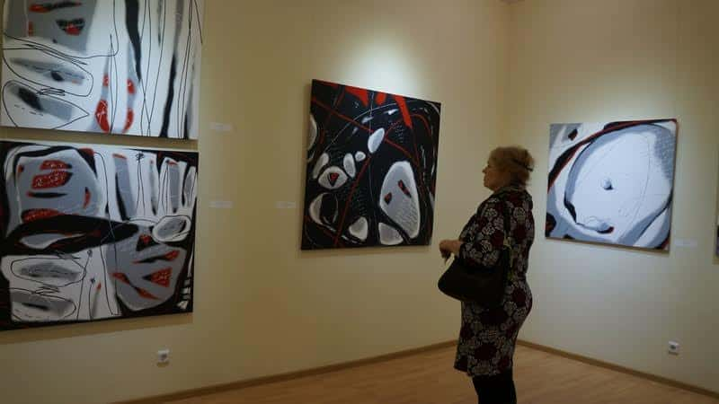 В Музее изобразительных искусств РК открылась выставка «НонАктуальный ландшафт»