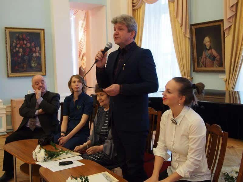 В музее изобразительных искусств РК открылась выставка «Шерстяное тепло»