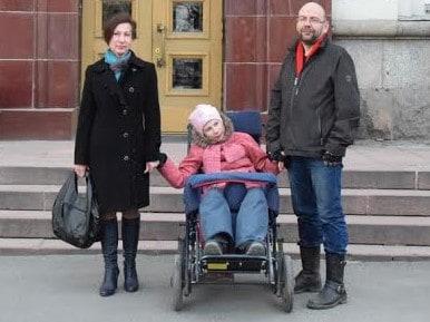 Татьяна Васильева с мужем и дочерью в апреле 2016 года. Фото Марии Голубевой