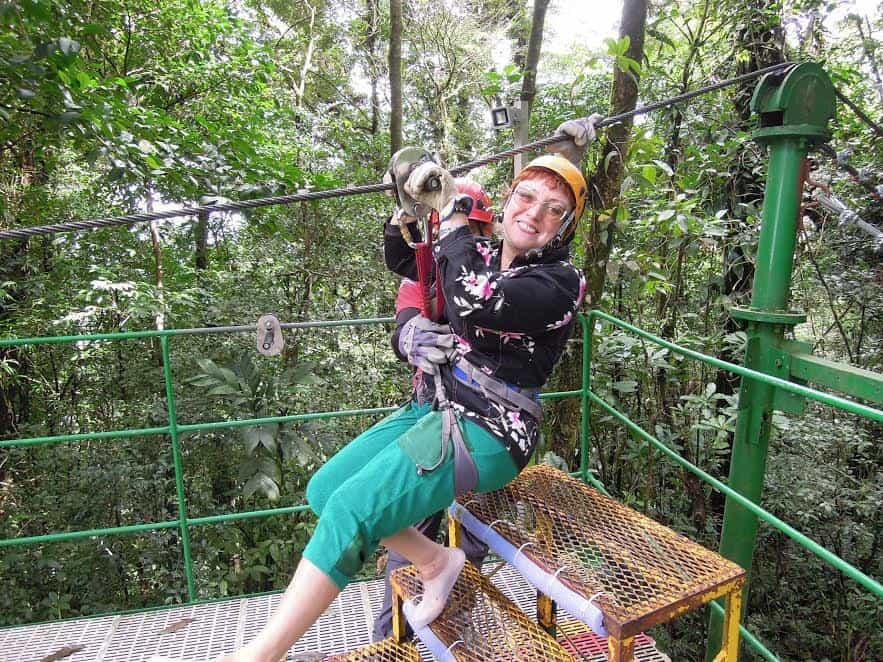 В Коста-Рике. Лидия Винокурова готовится к полету над джунглями