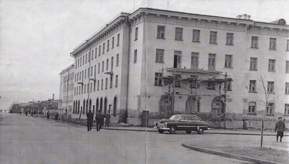 48-квартирный дом на углу улиц Кирова - М. Подгорная