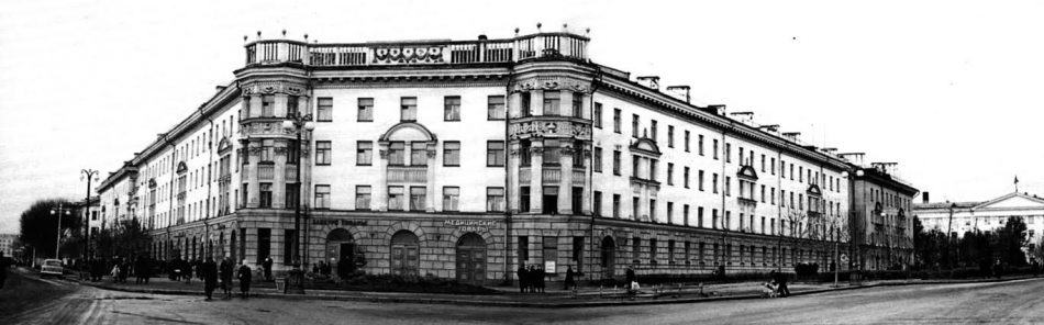 Дом 12 по пр. Карла Маркса, studopedia.ru