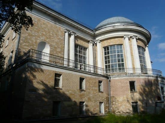 http://monuments.karelia.ru/ob-ekty-kul-turnogo-nasledija/katalog-ob-ekty-istoriko-kul-turnogo-nasledija-goroda-petrozavodska/razdely-kataloga/ob-ekty-svjazannye-s-razvitiem-obrazovanija/gosudarstvennaja-publichnaja-biblioteka/